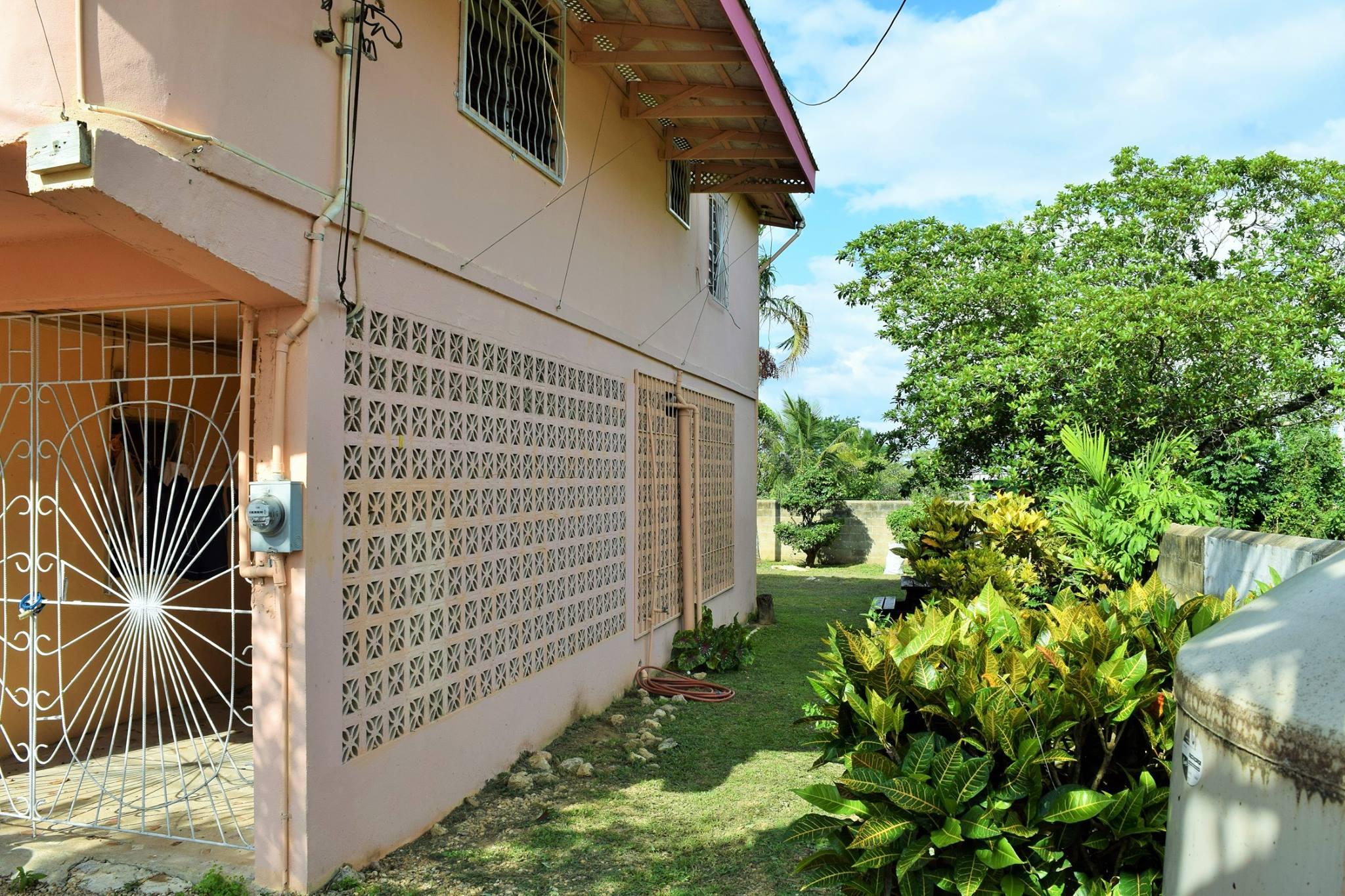 Spacious Santa Elena Home