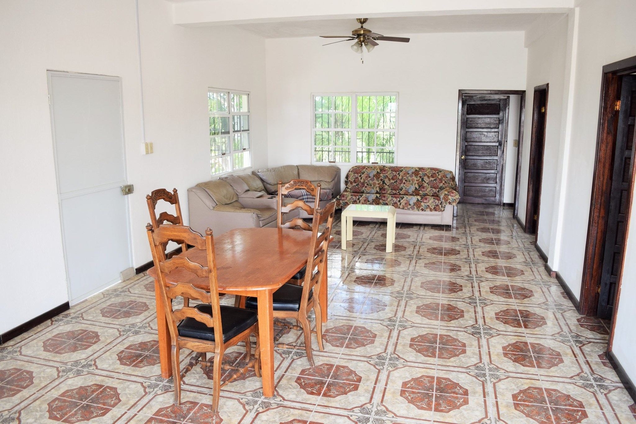 3 Bedroom Town Center Apartment
