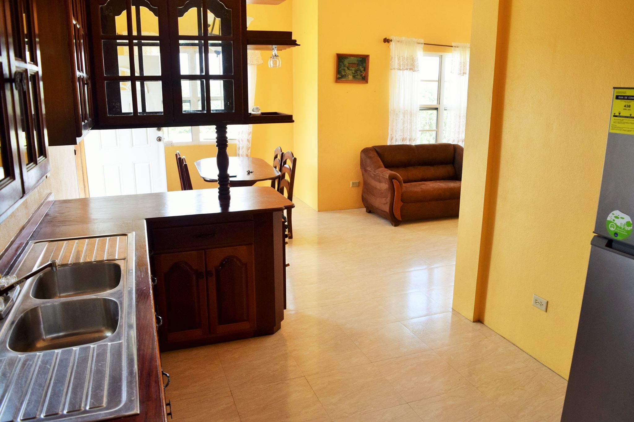 3 bedroom 1 bathroom apartment