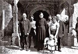 1936 : Des travaux sur le clocher ont imposé le démontage du coq de l'église.