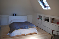 ATTIC ROOM WITH UNDER EAVES STORAGE