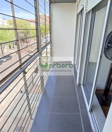Vista opuesta del balcón del frente