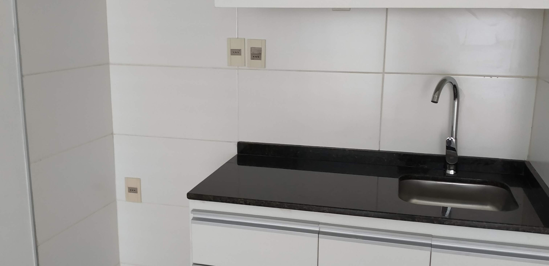 kitchenette con buenos placares