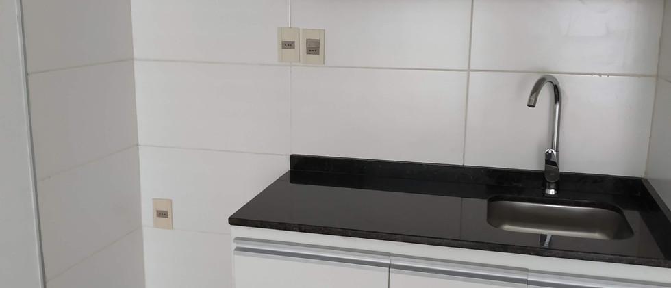 kitchenette con buenos placares