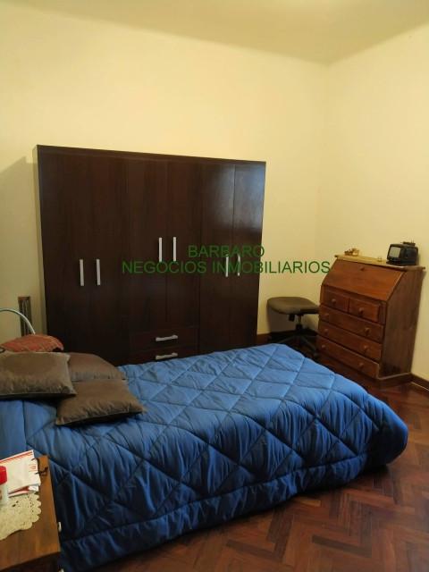 Dormitorio con muy buenos placares