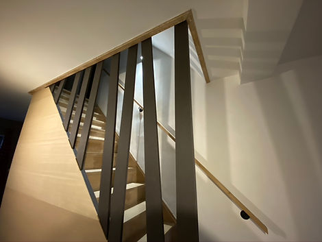 2._intérieur:garnissage_escalier.jpeg