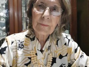 """Colecionadora de 82 anos quer que obras de acervo pessoal """"encontrem novos lares"""""""