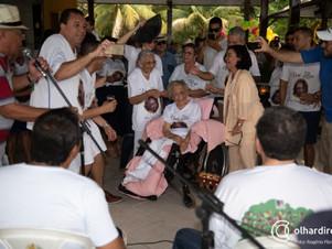 Matriarca da família Coutinho torna-se centenária e recebe homenagens de familiares e do prefeito