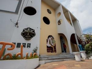 Grandiosa, Galeria do Pádua abriga mais de 100 obras e um teatro