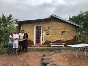 Família constrói casa biossustentável em MT