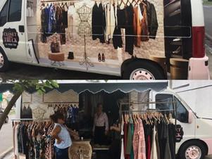 Empresária monta van closet truck e leva a moda para todos os cantos