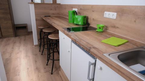 Dreibett mit Küchenzeile (1).jpg