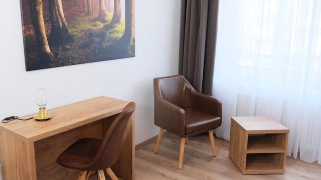 Einzelzimmer Hotel Forest (2).jpg