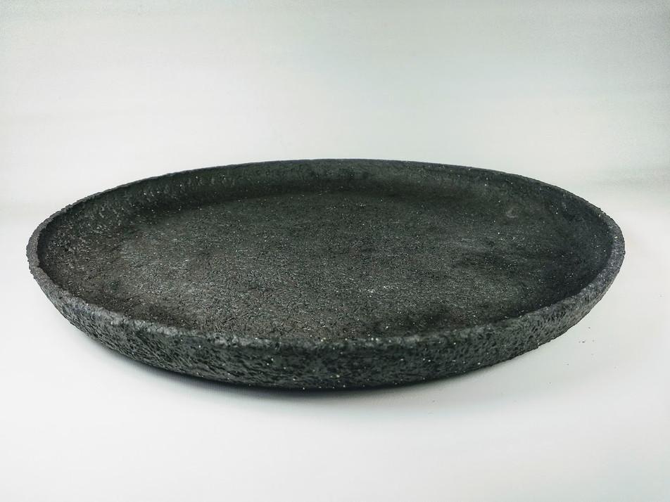 Black textured plate H 4cm D 50cm