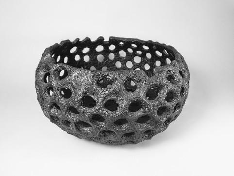 Porous black H 21cm D 12cm