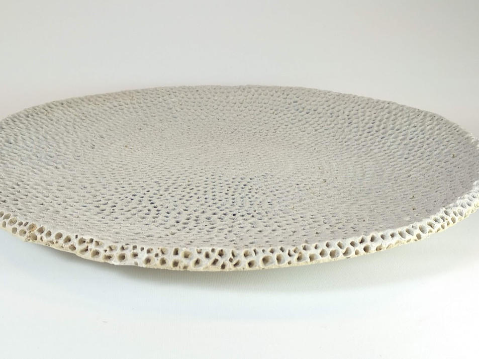 White curved dots textured plate D 45cm