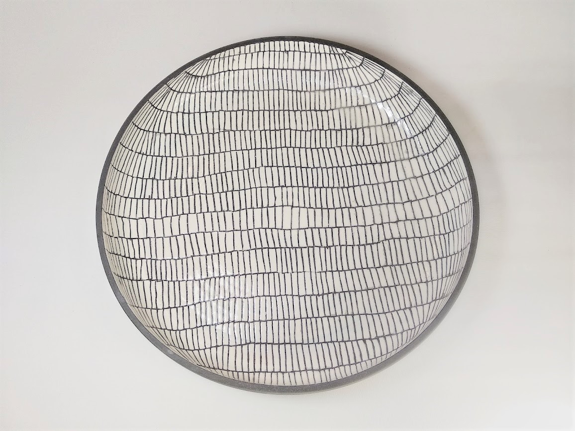 Black & white net flat bowl D 45cm