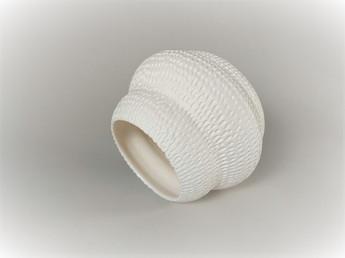 White porcelain H 11cm D 9cm