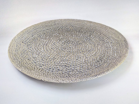 Gray curved dots plate D 45cm