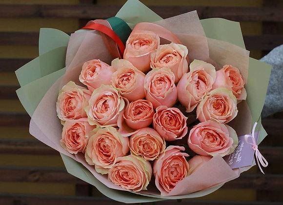 Пионовидные розы Гравити