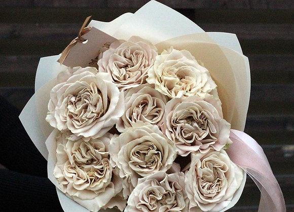 Пионовидные розы Вестминстер Эбби