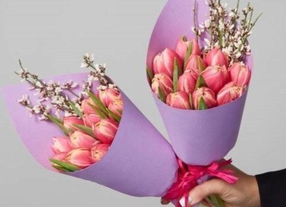 Букет из 11 махровых тюльпанов (цвет на выбор)