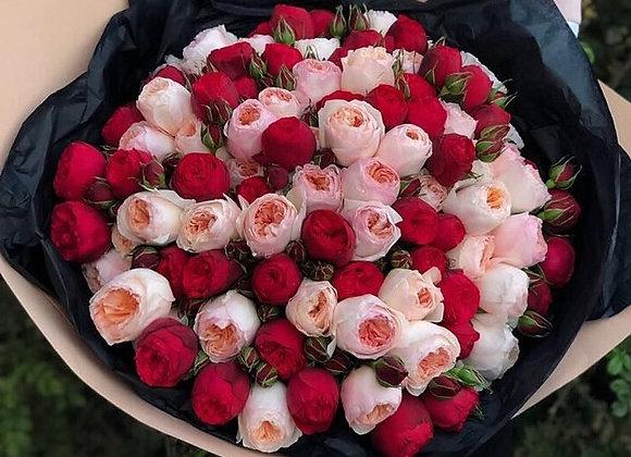 Букет из 101 пионовидной розы