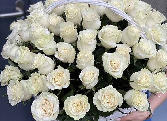 Корзина с 49 розами