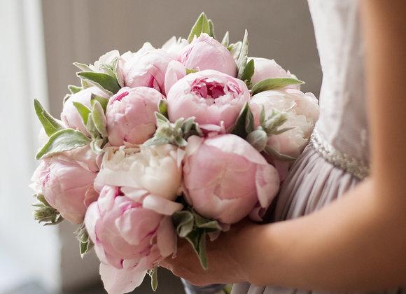 Букет невесты из розовых пионов
