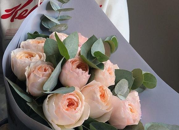 Пионовидные розы Джульет