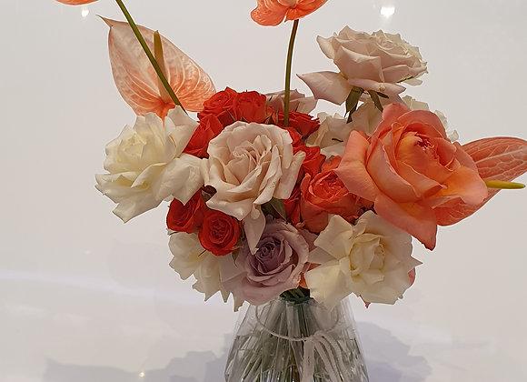 Букет невесты из роз с антуриумом