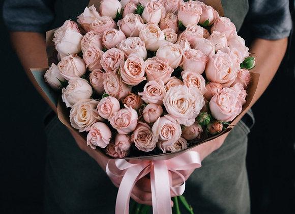 Кустовые пионовидные розы в ассортименте