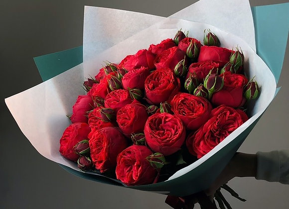 Пионовидные розы Ред Пиано
