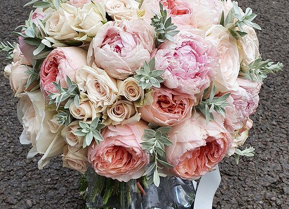 Букет невесты круглый