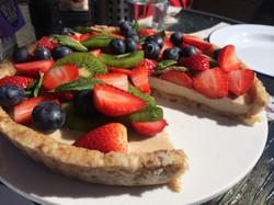 raw summer berry cheesecake