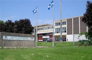 École_secondaire_Louis-Joseph_Papineau.j