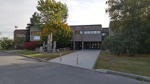 École_secondaire_Monseigneur_Richard.jpg