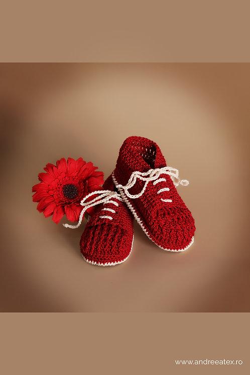 Botoșei croșetați Băieței - roșu