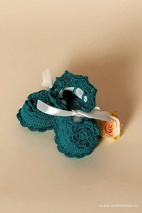 Botoșei croșetați cu floare (10cm)