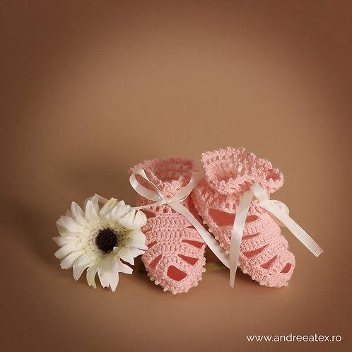 Săndăluțe croșetate Biscuite - fetițe - roz