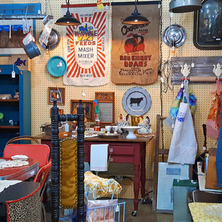 Antiques and Vintage Items in Downtown Las Vegas!