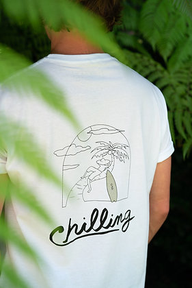 CHILLING TEE