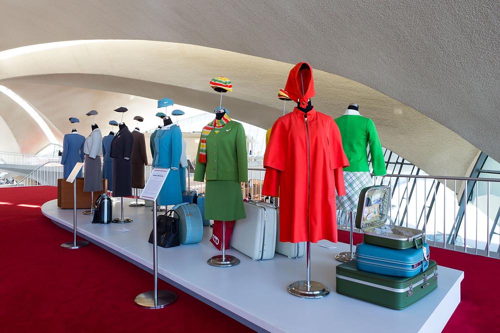 Period uniform display