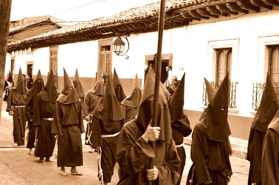Casona Rosa Procession del Silencio Sema