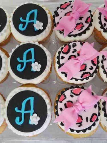 Kids 13 Monogram and Bows Birthday Cupcakes