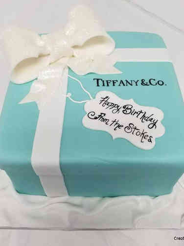 Fashion 24 Tiffany and Co. Box Birthday Cake