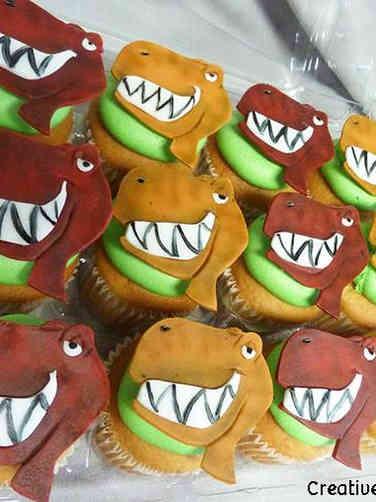 Kids 23 Grinning T Rex Birthday Cupcakes