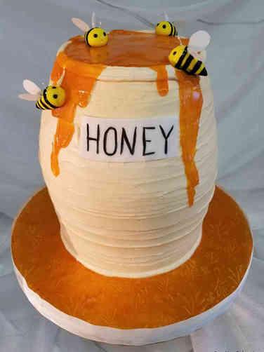 Neutral 56 Pot of Honey Baby Shower Cake