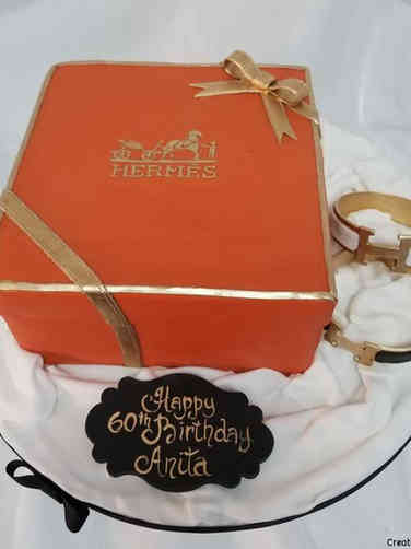 Fashion 13 Hermes Box and Bracelets Birthday Cake