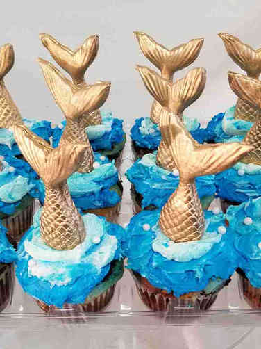 Kids 38 Gold Mermaid Tails Cupcakes
